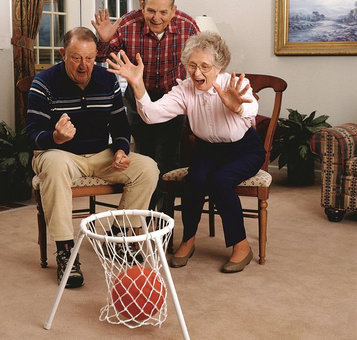 senior tossing games